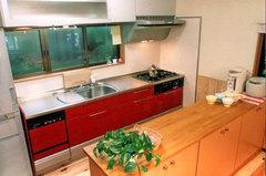 真っ赤なシステムキッチン