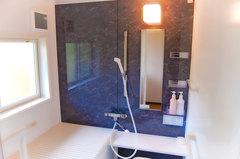 あったかで安心して入浴できる浴室