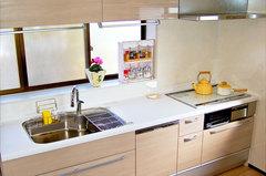 収納たっぷり・お掃除楽々のキッチン