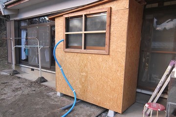 施工中のご主人手作りの仮設キッチン