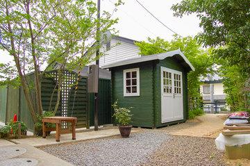 8月の施工事例「木立の中のガーデンハウス」