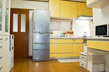 収納充実・システムキッチン