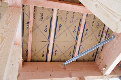 屋根通気スペーサー設置