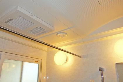 浴室暖房換気乾燥機と音響スピーカー
