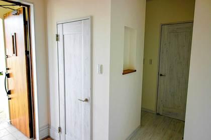 アンティークな玄関ドア