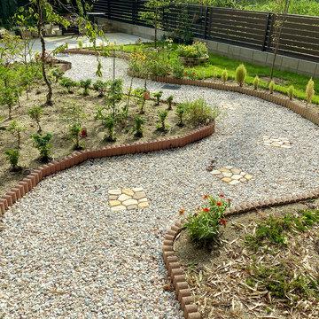 f_324_gardening03.jpg